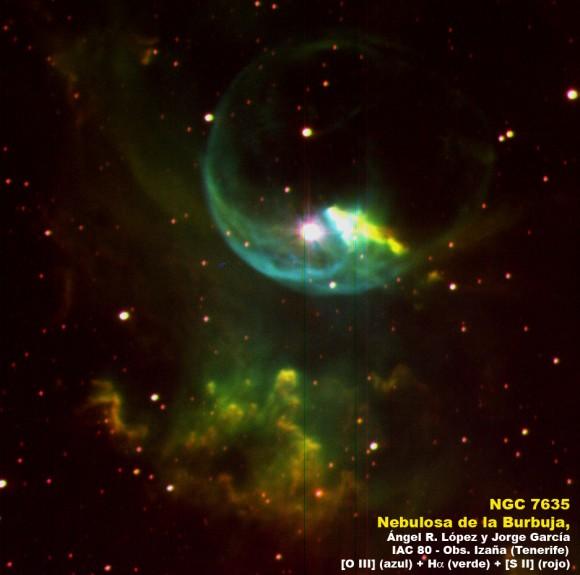 Imagen de la Nebulosa de la Burbuja obtenida en 2004 con el telescopio IAC80 (Observatorio del Teide, Izaña, Tenerife, España) usando los filtros estrechos de de [OIII] (azul), Hα (verde) y [SII] (rojo). Crédito: Ángel R. López-Sánchez y Jorge García-Rojas.